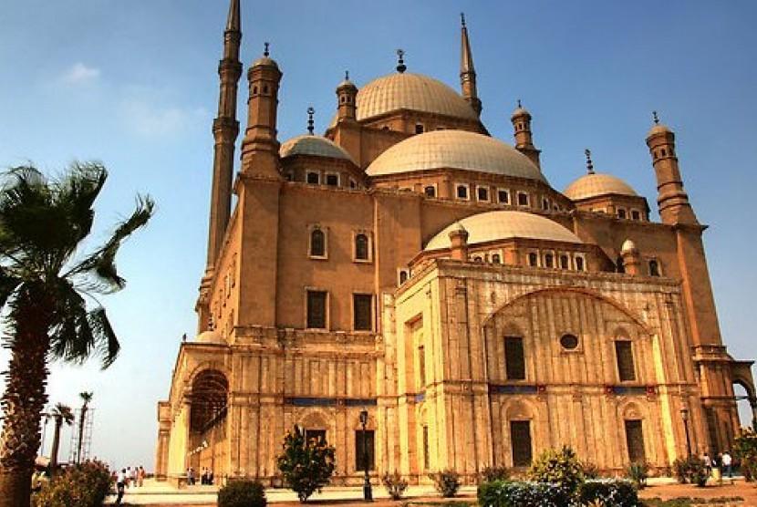 Masjid yang terletak di sebelah utara benteng sholahiyyah